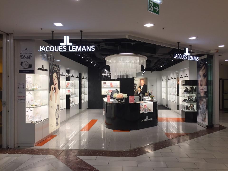 Flagship Store Lugner City | Jacques Lemans®